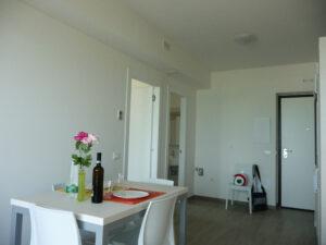 cucina-soggiorno-appartamenti-residence-america-5