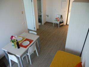 cucina-soggiorno-appartamenti-residence-america-8
